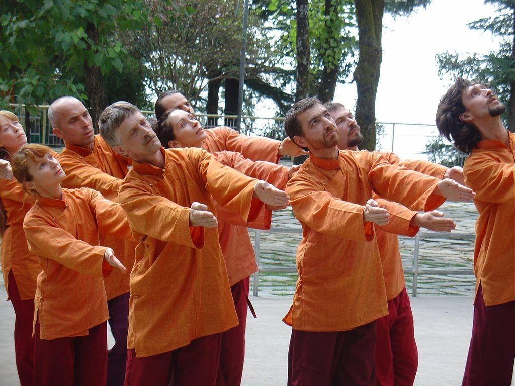 Gurdjieff Movements - http://www.gurdjieff-dances.com